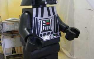 replica gigante di Darth Vader lego