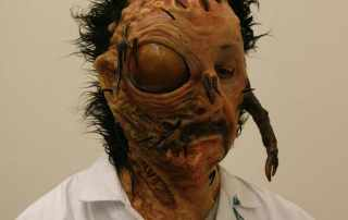 protesi mostro
