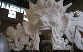 scultura gigante carnevale di Viareggio