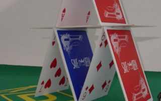 Carte da gioco giganti per marchio Save the queen