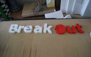 insegna in polistirolo lettere 3d Black Out
