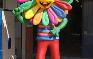 Mascotte arcobaleno village